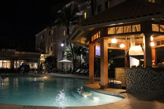 Hampton Inn & Suites San Juan:                   The pool bar