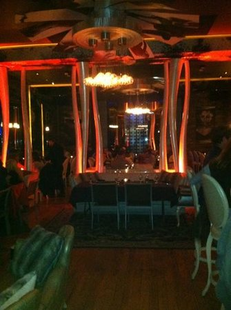 Osso restaurant and lounge