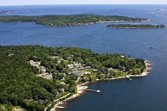 Spruce Point Inn Resort and Spa: Spruce Point Aerial