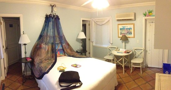 Crane's BeachHouse Hotel & Tiki Bar:                   My room (#4)
