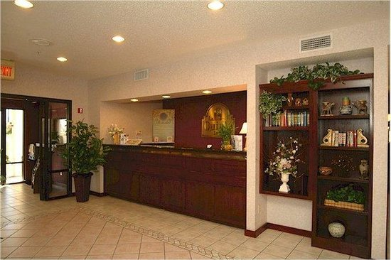 La Quinta Inn Terrell: Front Desk