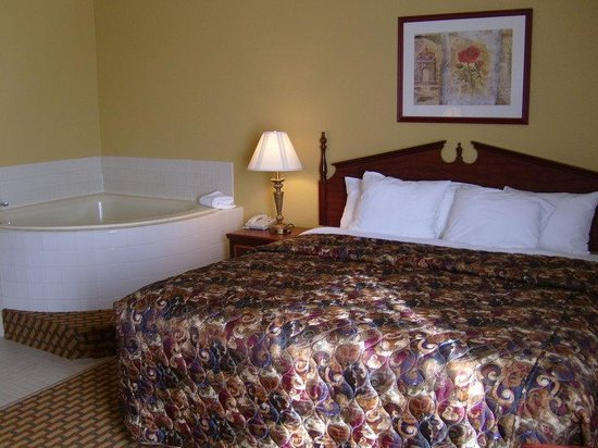 Best Western Intracoastal Inn: King Room With Jacuzzi