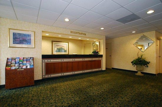 Rocky Mount, NC: Reception Desk