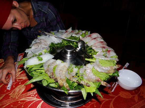 Mai Phuong Beach Resort:                   Hot Pot mit Seafood