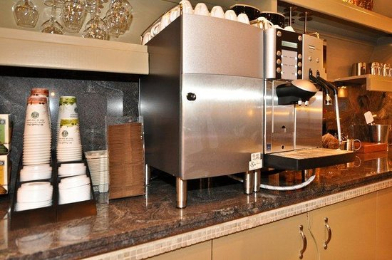 BEST WESTERN PLUS Mariposa Inn & Conference Centre: Breakfast Buffet