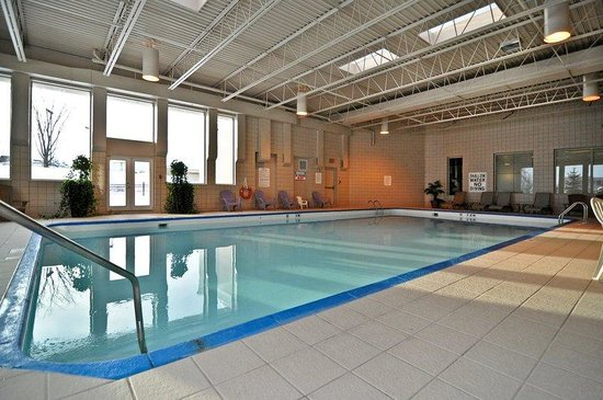 BEST WESTERN PLUS Mariposa Inn & Conference Centre: Swimming Pool
