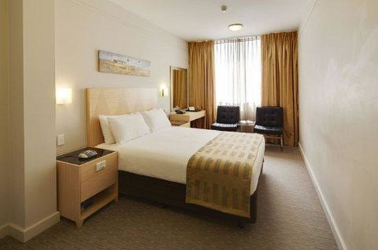 Perth Ambassador Hotel: Deluxe Room