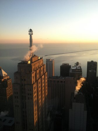 Four Seasons Hotel Chicago:                   Sunrise from the Lake Michigan view room!