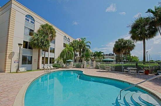 Photo of Red Roof Inn - Fort Lauderdale