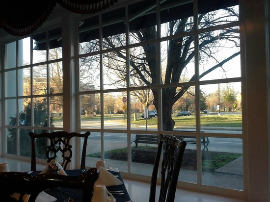 Boone Tavern Hotel:                   view from the dining room