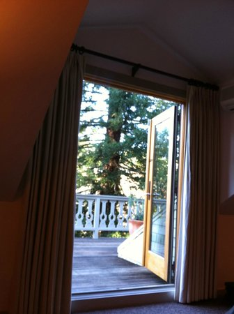 Mill Valley Inn: looking out of the living room door onto the balcony