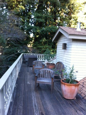 Mill Valley Inn: The awesome balcony