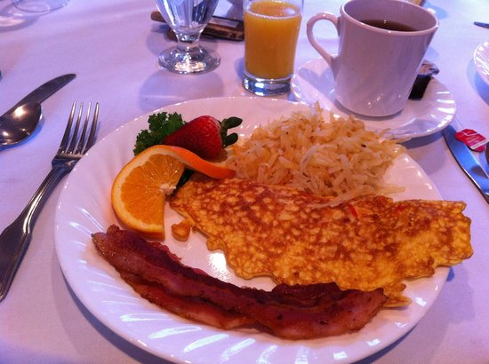 Green Gate Village Historic Inn :                   One of the amazing breakfasts