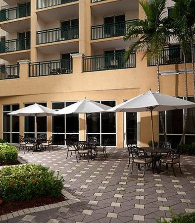 Courtyard Miami Dadeland: Patio