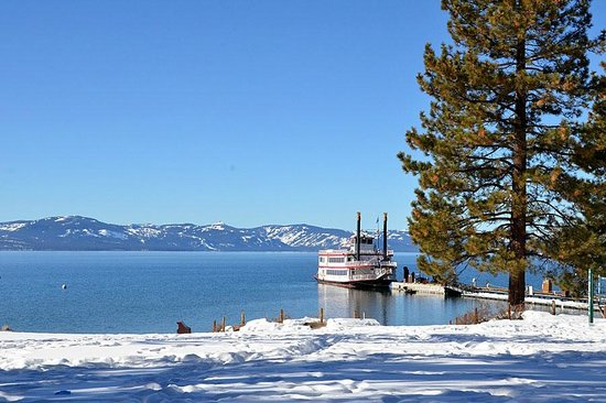 Zephyr Cove Resort: View of beach and Lake Tahoe