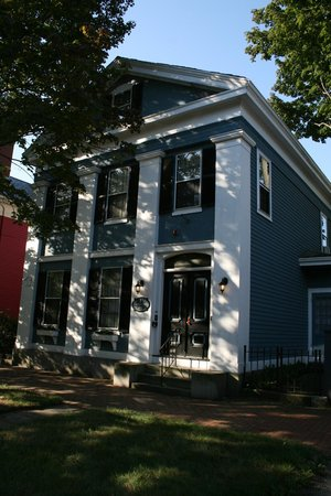 Amelia Payson House:                   Street view of house