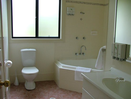 Leisure Inn Pokolbin Hill: Bathroom in 27