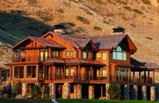Grey Cliffs Ranch: Grey Cliffs Lodge
