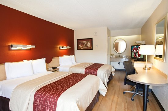 Red Roof Inn - Akron: Double Room