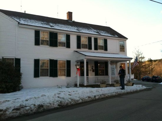 Colby Hill Inn :                   Colby Hill in January