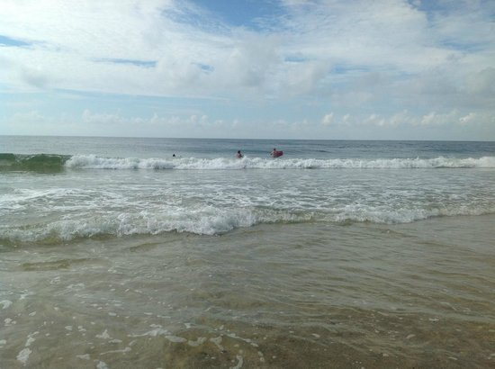 Sanibel Gulf Shores:                   2-3 feet waves is what you should expect
