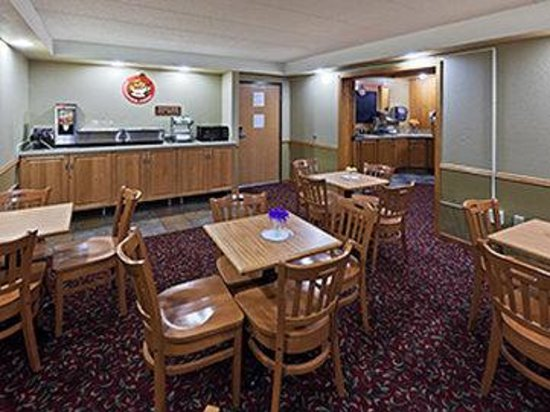 AmericInn Lodge & Suites Bemidji: AmericInn Bemidji - Breakfast Room