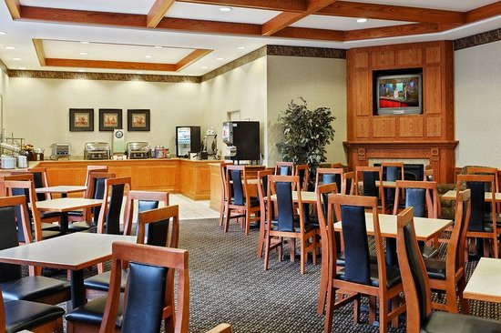 Country Inn &amp; Suites Elk Grove: CountryInn&amp;Suites ElkGroveVillage BreakfastRoom