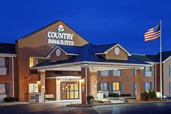 Holiday Inn Express Mishawaka: CountryInn&Suites Mishawaka  ExteriorNight