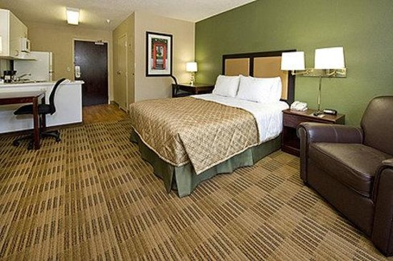Extended Stay America - Elizabeth - Newark Airport: Queen Studio