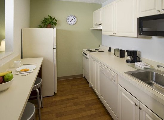 Extended Stay America - Houston - Med. Ctr. - Reliant Park - La Concha Ln.: Fully-Equipped Kitchens