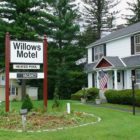 Willows Motel