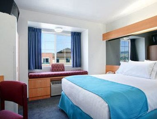 Microtel Inn & Suites by Wyndham Morgan Hill/San Jose Area: Guest Room With 1 Bed