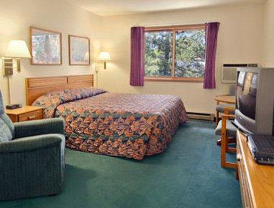 Super 8 Wautoma: Standard King Bed Room