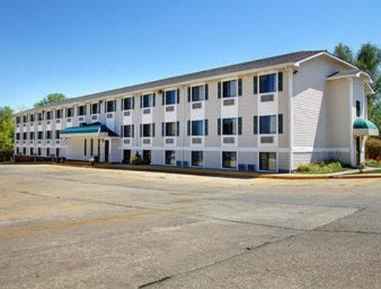 Super 8 Motel - Coralville: Welcome to the Super 8 Iowa City/Coralville