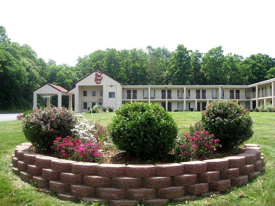 Red Roof Inn Hagerstown-Williamsport: Landscaping