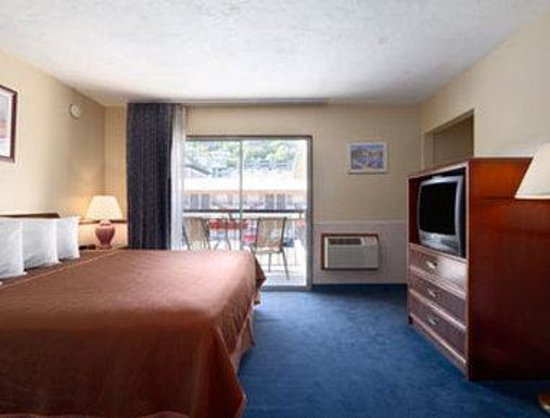 ‪‪Travelodge Portland City Center‬: Standard One King Bed Room‬