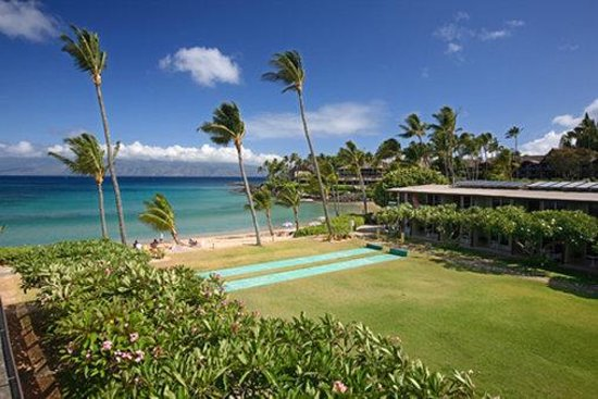 The Mauian Hotel on Napili Beach: Exterior