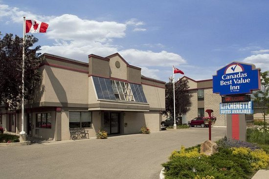 Canadas Best Value Inn: Exterior