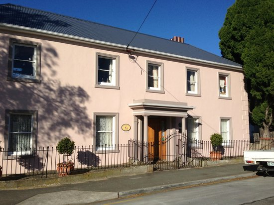 Maison Del Mar:                   Amazing central Hobart location