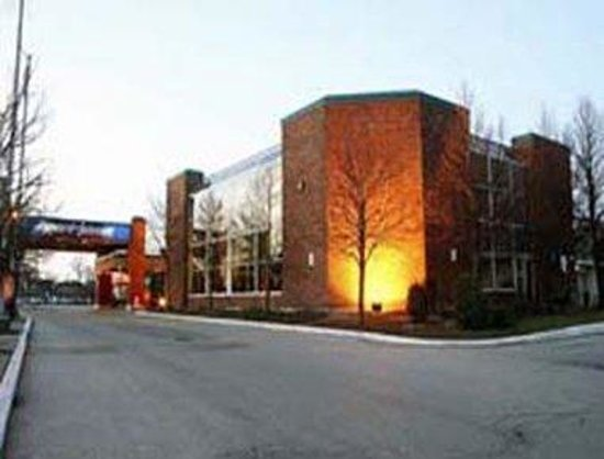 Howard Johnson Inn & Suites - Toronto East: Welcome to the Howard Johnson Inn And Suites Toronto East