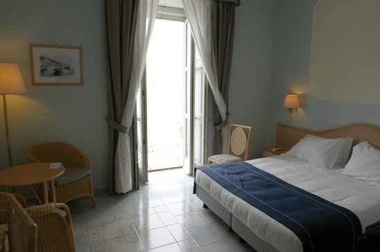 Hotel Mediterraneo Sorrento: Superior Room 305