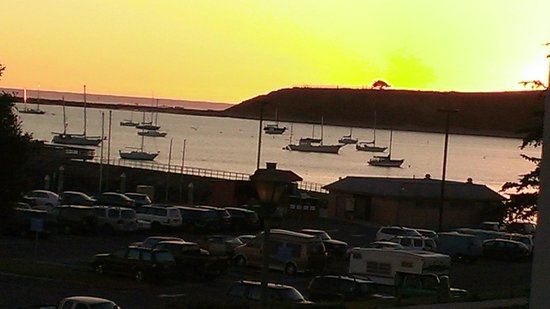 Oceano Hotel & Spa Half Moon Bay:                   great Sunsets from room
