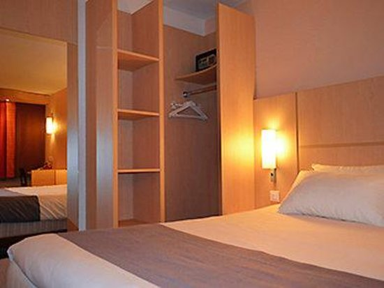 Hotel Ibis Cannes Centre: Guest Room