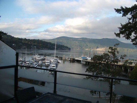 Brentwood Bay Resort & Spa:                   View from balcony to harbor