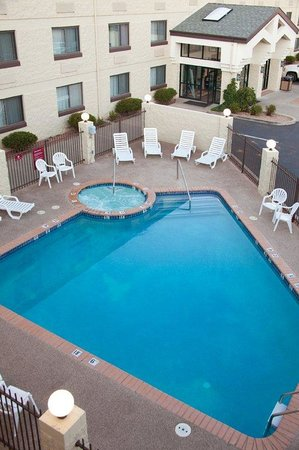 Red Feather Lodge: Pool