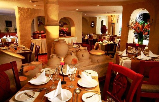 San Agustin International Hotel: Dining