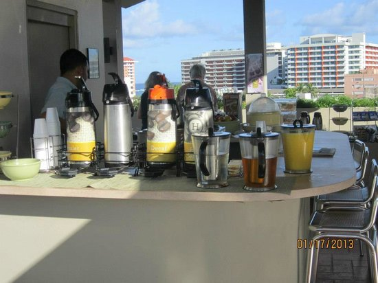Quality Inn El Portal:                   Drinks for continental breakfast...
