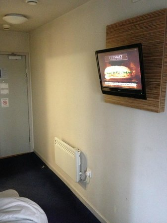 Travelodge London Tower Bridge: TV