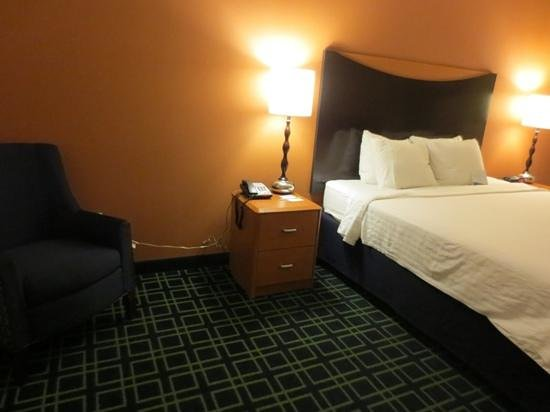 Fairfield Inn & Suites Santa Maria: room