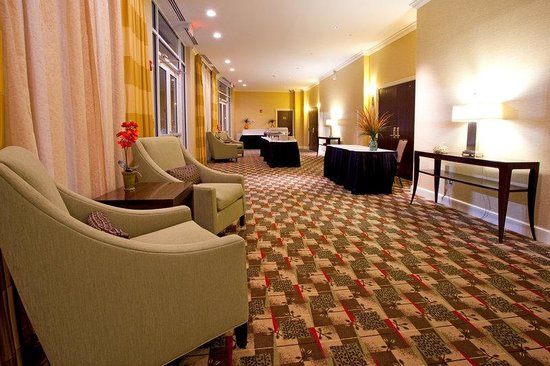 Holiday Inn Statesboro South: Pre-function Area